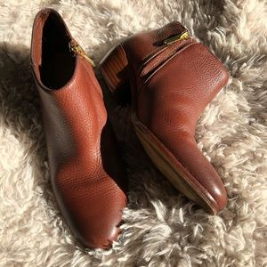 EUC Sam Edelman Textured Leather Booties